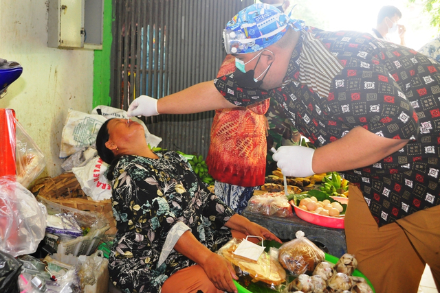 2 Pedagang di Pasar Belitung Timur Positif COVID-19 (922207)