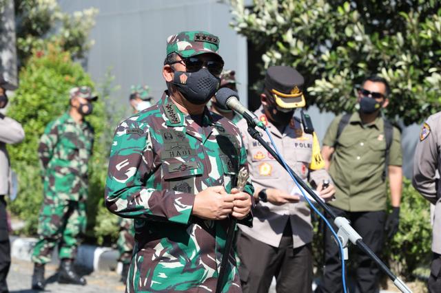 Panglima TNI Kembali Sambangi Solo Tengok Isolasi Pasien Corona, Disambut Gibran (957702)