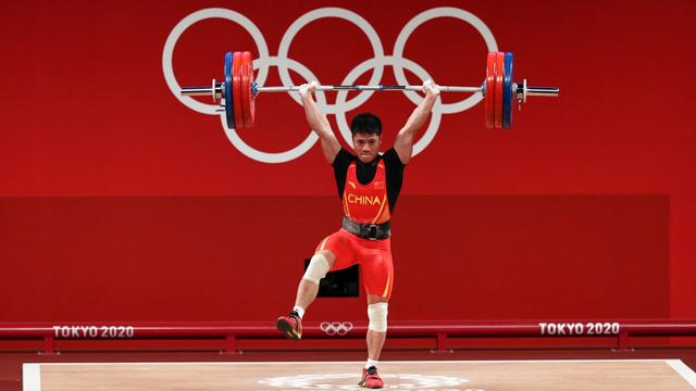 10 Momen Viral Olimpiade 2020: Fair Play Ahsan hingga Ganti Raket Greysia Polii (48800)