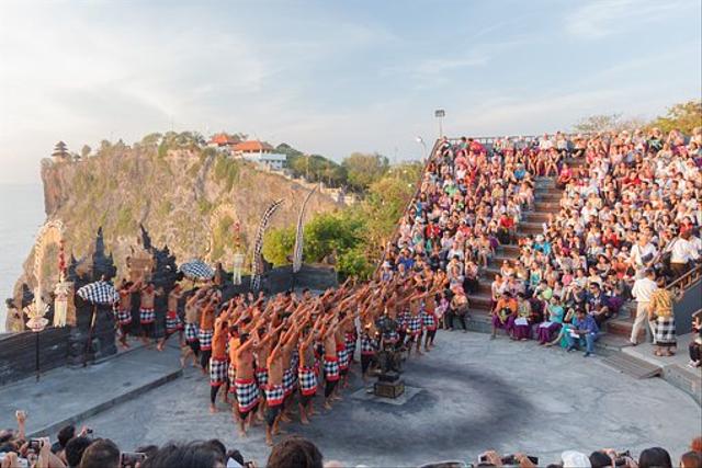 Tari Kecak Bali: Sejarah, Gerakan, dan Maknanya (735575)