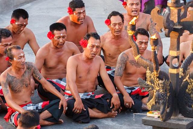 Tari Kecak Bali: Sejarah, Gerakan, dan Maknanya (735573)