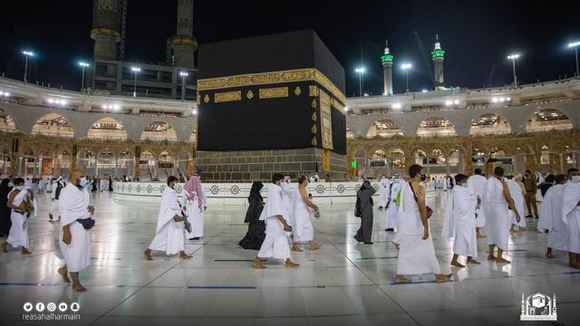 Haji 2021 Berakhir, Jemaah Umrah Kembali Berdatangan ke Masjidil Haram (907)