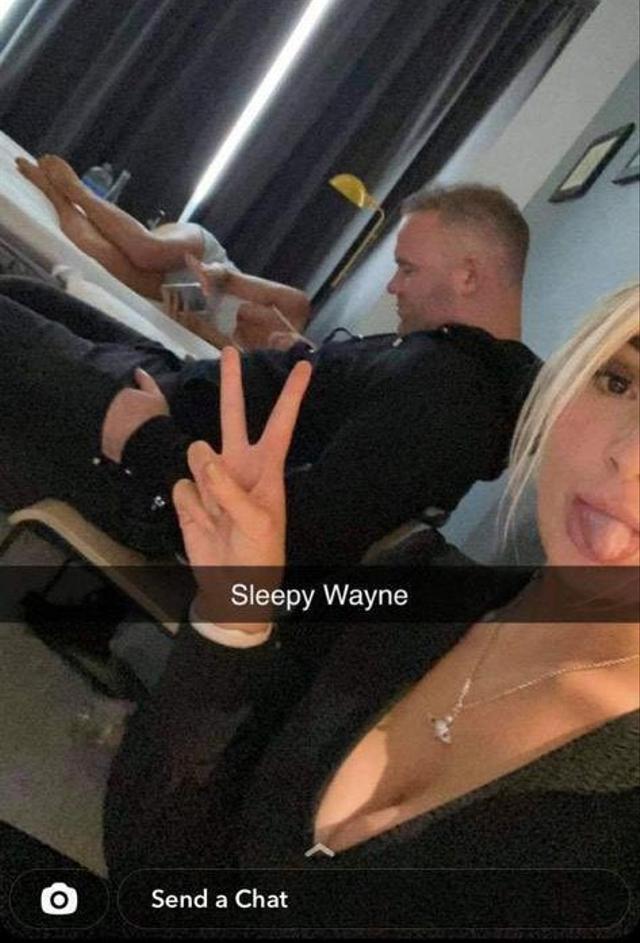 Wayne Rooney Murka Usai Fotonya dengan 3 Wanita Nyaris Bugil Viral (1018433)