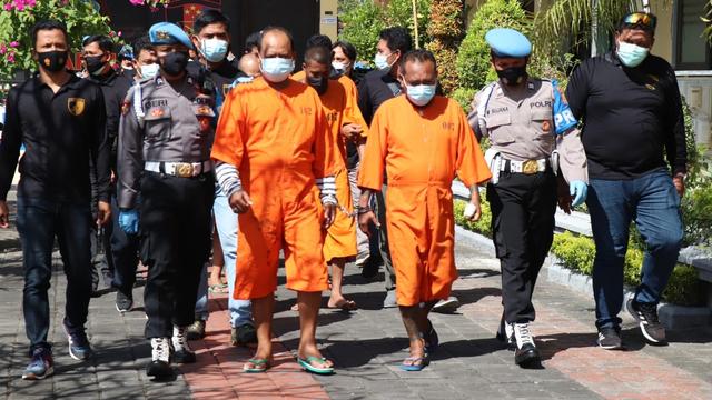Polisi Bekuk 7 Debt Collector di Bali: Keroyok Pria Pakai Pedang hingga Tewas (33926)