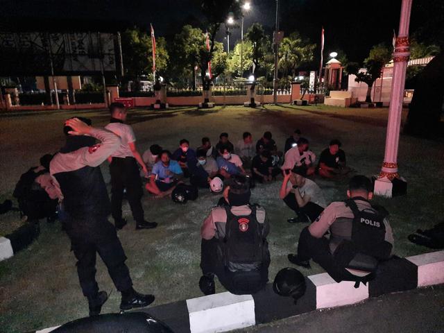 Belasan Pemuda Gelar Balap Liar di Solo, Yamaha NMax Jadi Hadiah Taruhan (323974)