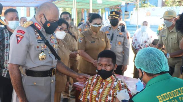SMA 2 Jayapura Gandeng RS Bhayangkara Percepat Vaksinasi (913166)