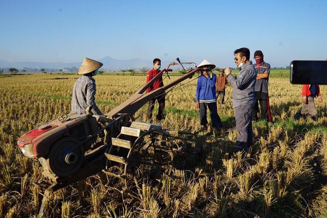Manfaatkan Alsintan, Panen Raya Petani di Bandung Melonjak Drastis (309994)