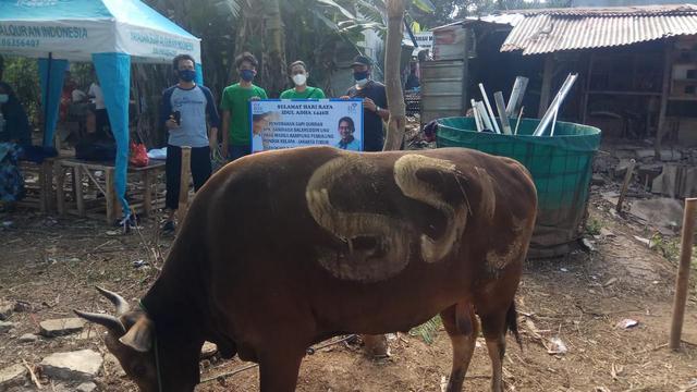 OK OCE Kemanusiaan Salurkan Bantuan Kurban Sandiaga Uno (141291)