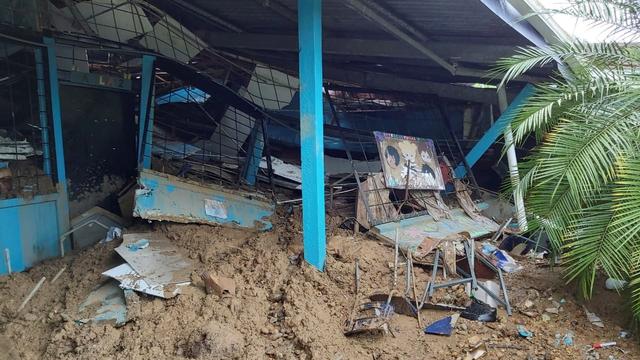 Foto: Jembatan Hingga Sekolah di Kosta Rika Rusak Akibat Diterjang Banjir (860422)