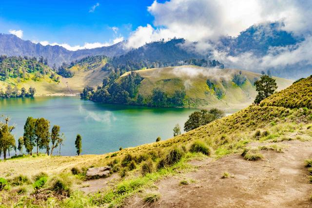 5 Film dengan Pemandangan Alam #DiIndonesiaAja yang Menakjubkan (42536)
