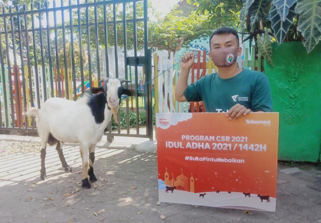 Kolaborasi Kebaikan, Telkomsel Gandeng Dompet Dhuafa Salurkan Kurban (786486)