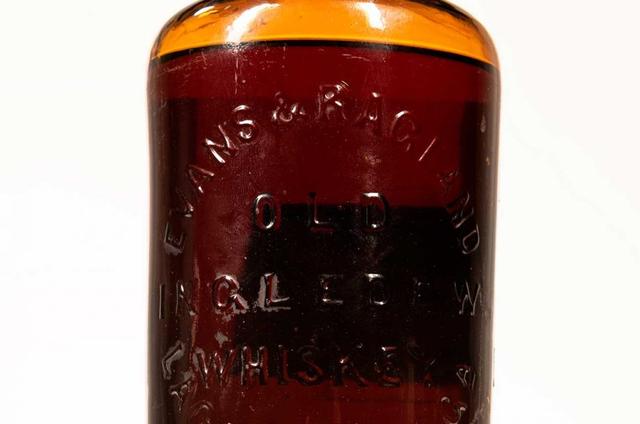 Botol Wiski Tertua di Dunia Bekas Koleksi J.P Morgan Terjual Rp 2 Miliar! (114929)