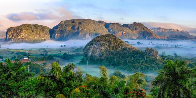 Pengertian dan Contoh Kenampakan Alam di Indonesia (117672)