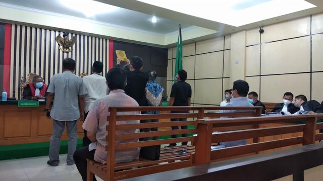 Kasus Perusakan Lahan, Pengacara Pertanyakan Berita Acara Rekonstruksi (684283)
