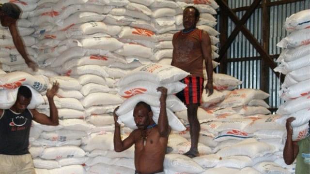 Bulog Papua Jamin Stok Beras Aman Jelang PPKM Level 4  (1072951)