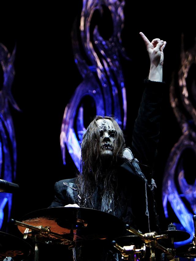 Joey Jordison Meninggal, Personel Slipknot Pasang Foto Hitam di Instagram (39386)