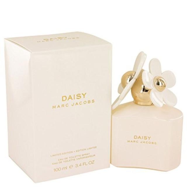 7 Rekomendasi Parfum Wanita Terbaik, Wanginya Tahan Lama! (506826)