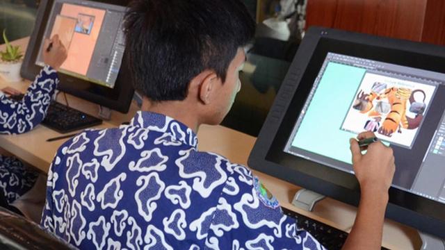 Uang Sekolah Cuma Rp 300 Ribu, Siswa SMK di Kudus Bisa Hasilkan Karya Menjual (757222)