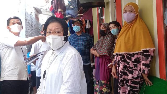 5 Berita Populer: Bansos Tunai Dipotong; Tunggal Belgia Berbahasa Indonesia (9971)