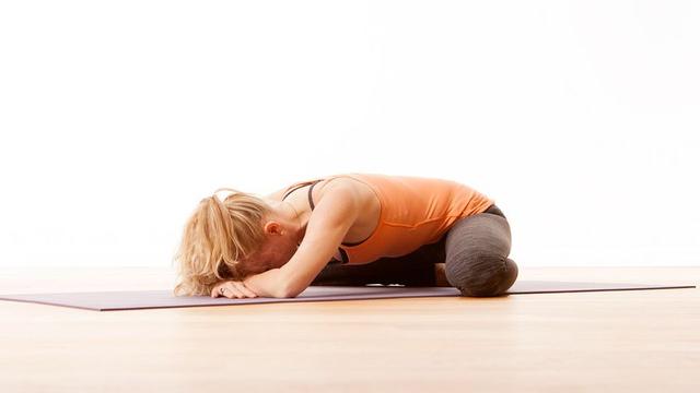 Gerakan Yoga untuk Ibu Hamil, Meredakan Nyeri Punggung dan Bikin Tidur Nyenyak! (52958)