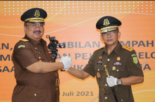 Jaksa Agung Lantik Dede Ruskandar Jadi Kajati Maluku Utara (219799)