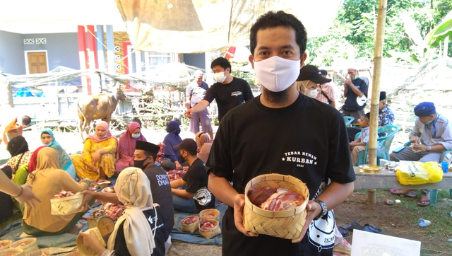 5000 Warga Telah Merasakan Manfaat Kurban Melalui THK Dompet Dhuafa Sulsel 2021 (401049)
