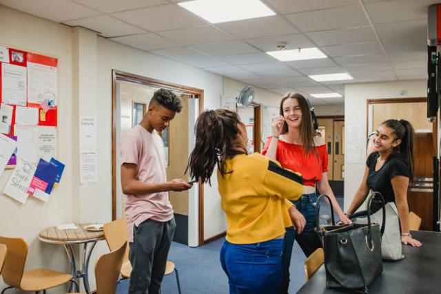 Bagaimana Tips Memilih Organisasi dan UKM Kampus untuk Mahasiswa Baru? (610255)