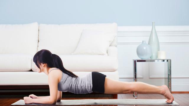 3 Pose Yoga yang Bisa Membantu Menurunkan Berat Badan (82816)