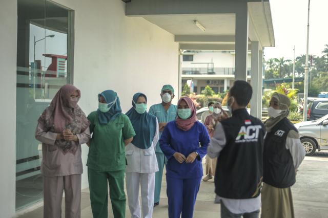 Ketika Jurnalis dan Relawan ACT Terlibat Aksi Kemanusiaan (Berita Foto) (55990)