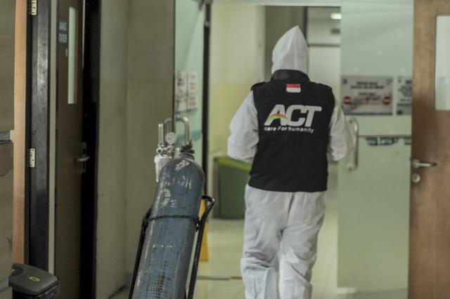 Ketika Jurnalis dan Relawan ACT Terlibat Aksi Kemanusiaan (Berita Foto) (55994)