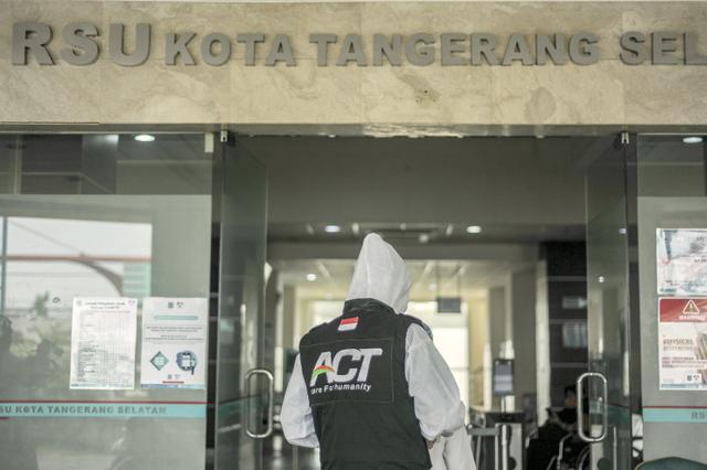 Ketika Jurnalis dan Relawan ACT Terlibat Aksi Kemanusiaan (Berita Foto) (55988)