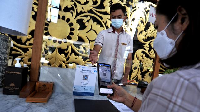 AP II Kini Wajibkan Calon Penumpang Pakai Aplikasi PeduliLindungi di Bandara (46504)