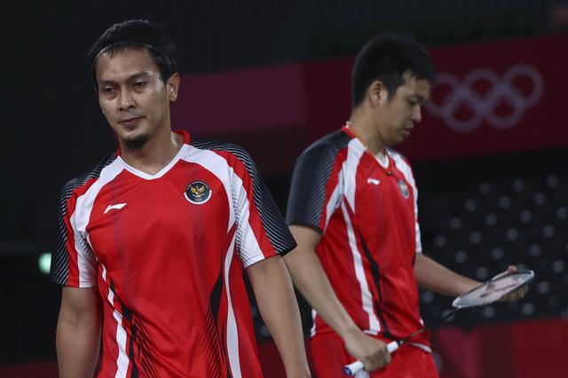 10 Momen Viral Olimpiade 2020: Fair Play Ahsan hingga Ganti Raket Greysia Polii (48795)