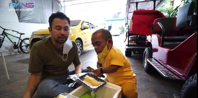 Ucok Baba Beri Durian, Raffi Ahmad: Minggu Kita Kirim Mobil (66640)