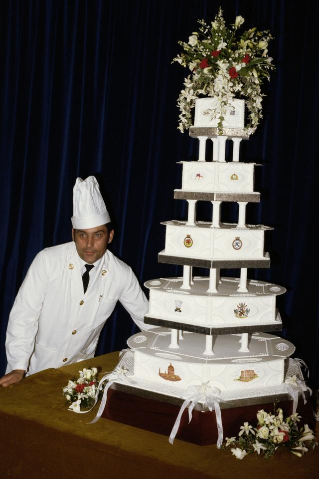 Potongan Kue Pengantin Putri Diana Siap Dilelang hingga Rp 10 Juta! (166560)