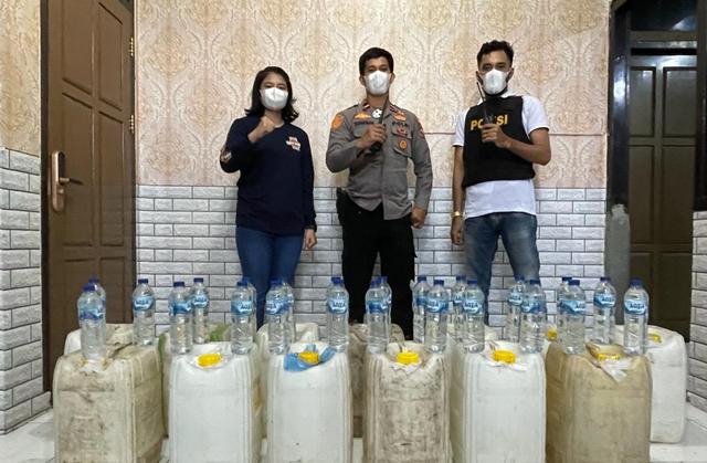 Polisi Ternate Amankan Ratusan Liter Miras dari Halmahera (336255)