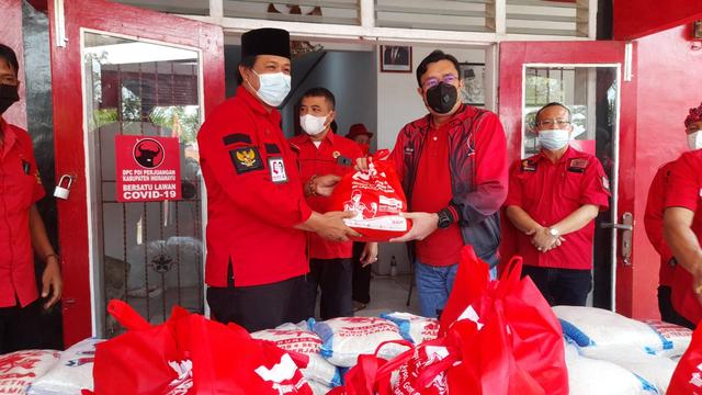 Bantu Penanganan COVID-19 di Jawa Barat, DPD PDIP Dirikan 27 Posko Darurat (44623)