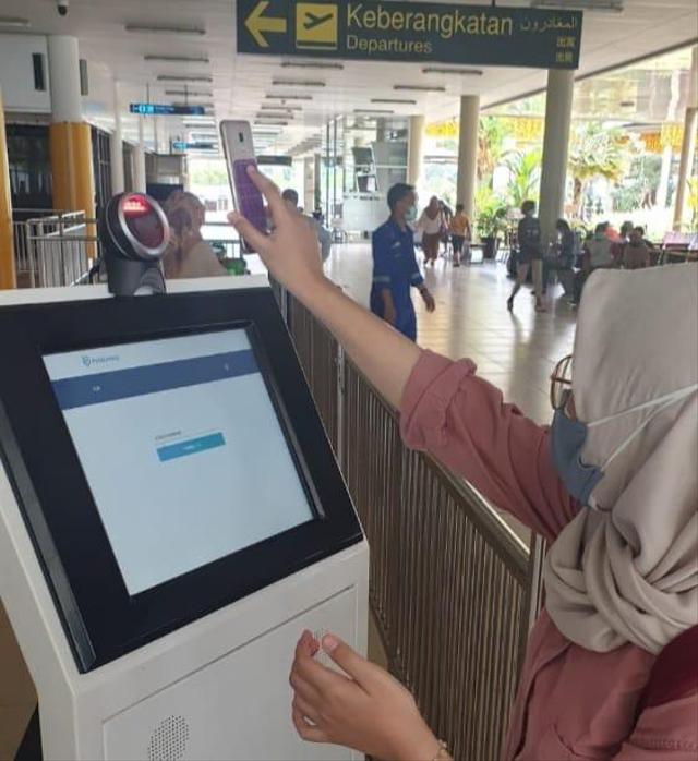 AP II Kini Wajibkan Calon Penumpang Pakai Aplikasi PeduliLindungi di Bandara (46500)