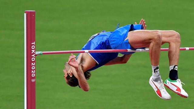 10 Momen Viral Olimpiade 2020: Fair Play Ahsan hingga Ganti Raket Greysia Polii (48797)