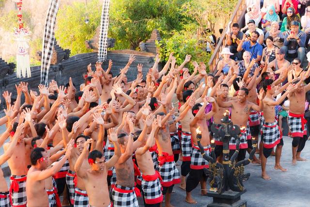 Mengenal Tari Kecak Bali yang Jadi Kekayaan Budaya Indonesia (942805)
