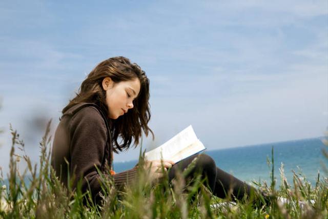 Contoh Puisi tentang Lingkungan Alam yang Singkat (41298)