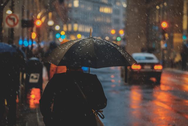 Doa Agar Hujan Berhenti dan Tidak Menimbulkan Banjir (50145)