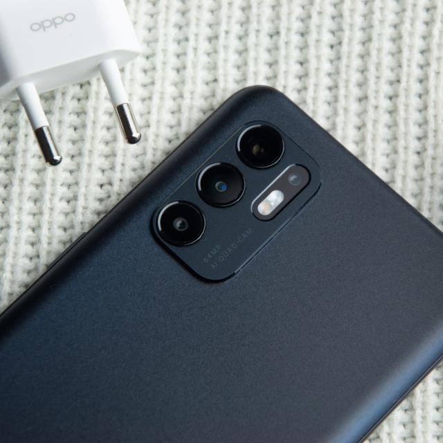 Review Oppo Reno 6: HP Rp 5 Jutaan Desain Cantik, Kamera Ciamik (60117)