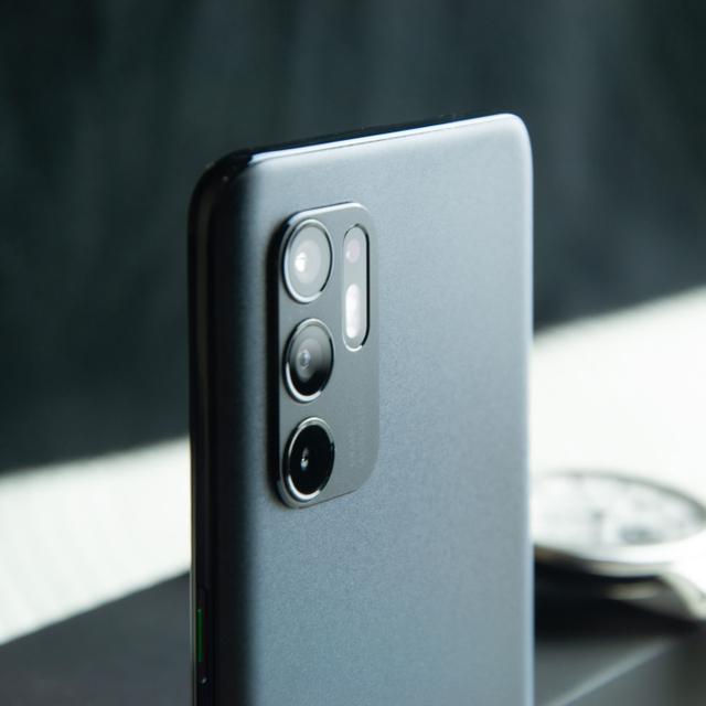 Review Oppo Reno 6: HP Rp 5 Jutaan Desain Cantik, Kamera Ciamik (60086)