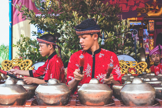 5 Alat Musik Tradisional Jawa Timur dan Cara Memainkannya (1172917)