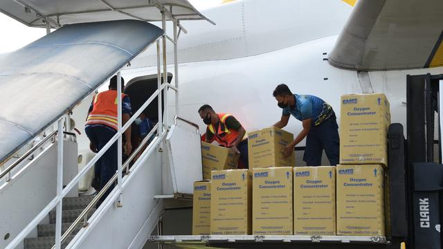 TNI Kirim 50 Konsentrator Oksigen   hingga 20 Ribu Alat Tes Antigen ke Papua (139411)