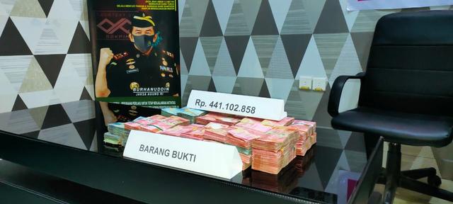 Korupsi Dana BOS di Manggarai, Dua Tersangka Kembalikan Uang Senilai Rp 441 Juta (141369)