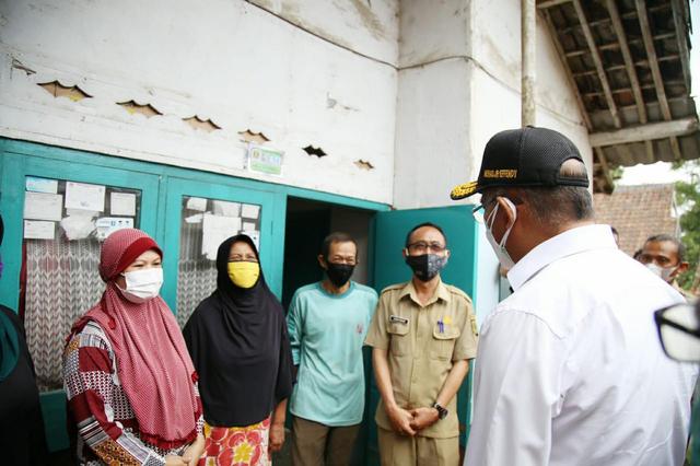 Kunjungi Sukabumi, Muhadjir Masih Temukan Warga Kurang Mampu Tak Dapat Bansos (138063)