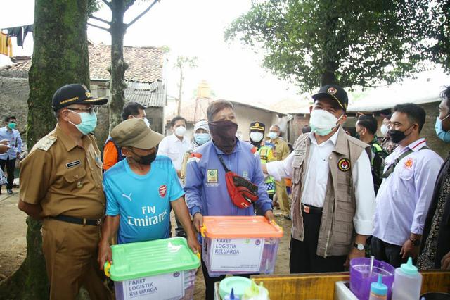 Kunjungi Sukabumi, Muhadjir Masih Temukan Warga Kurang Mampu Tak Dapat Bansos (138061)