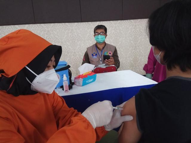 Stok Vaksin Habis, Pemkab Kuningan Tambah Pasokan Vaksin AstraZeneca dan Sinovac (1261605)